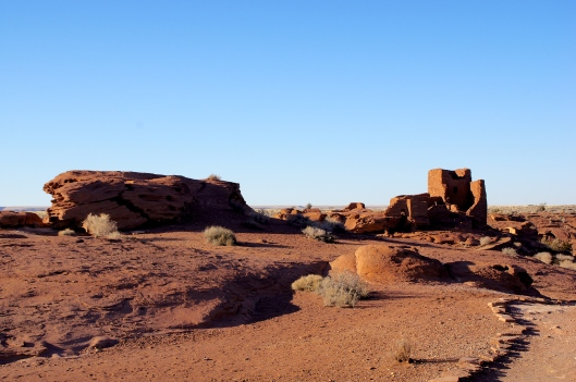 Approaching the pueblo.